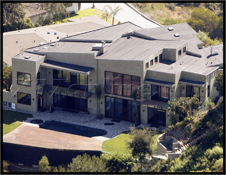 Pics Rihanna Buys A New House For 10 Million Crook